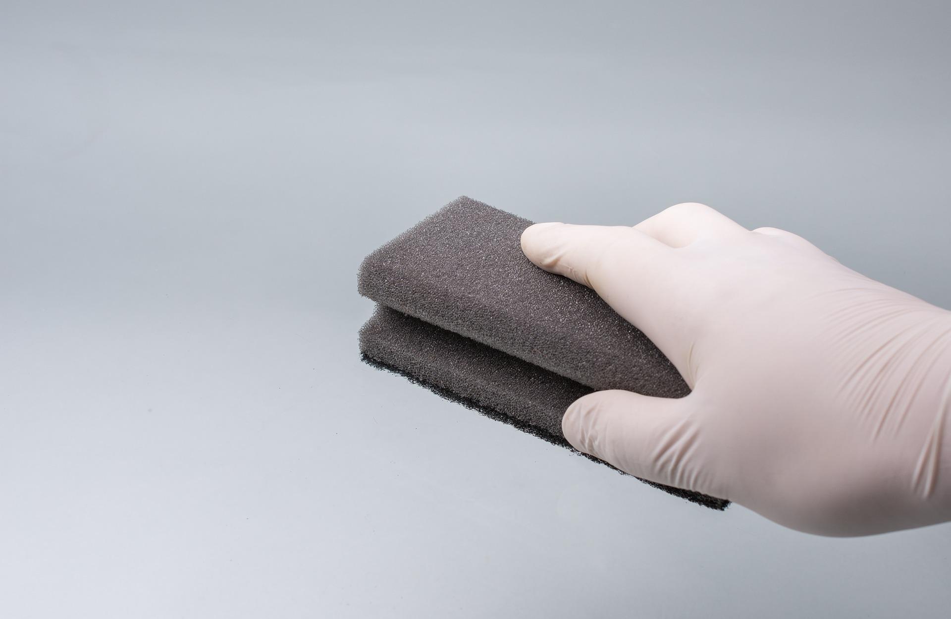 焼肉店の無煙ロースター・換気扇・ダクトの掃除は重要事項です。